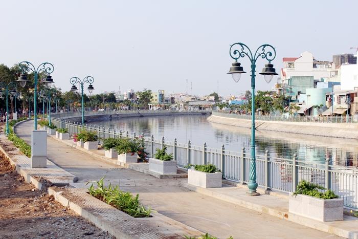 Bờ kè kênh Tân Hóa - Lò Gốm - TPHCM
